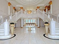 Elegant entrance to the estate.