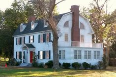 'Amityville' House Film Set Has Been Torn Down - iHorror The Amityville Horror House, Latest Horror Movies, Home Tv, Tear Down, The Neighbourhood, Shed, Outdoor Structures, Mansions, House Styles