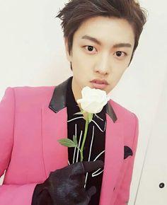 profil-shin-won-ho-pemeran-tae-oh-the-legend-of-the-blue-sea-7