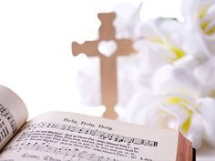 Kirchliche Hochzeit: Die schönsten Kirchenlieder für Ihre Hochzeit - BRIGITTE