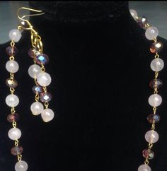 #parure #quarzo #rosa e #cristalli #bordeaux su #ottone  #necklace with #bracelet and #earrings with pink #quartz and #red #crystals on #brass  #conjunto con #cuarzo #rosa y #cristal #burdo en #laton  Www.oro18.eu info@oro18.eu #oro18 #tuttobrillante #italia #italy #fattoamano #hechoamanos #handmade