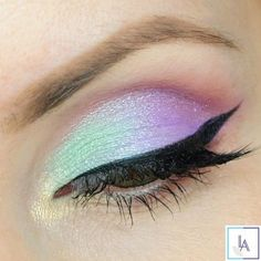 Love this unicorn look? Try RMS Inspire and NU Evolution Tease to get a shimmery blue/purple eye! #eyemakeup