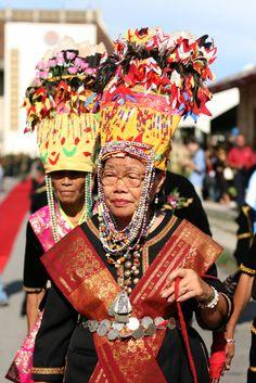 (Sabah, North Borneo) Bobohizan - female shaman.jpg (1067×1600)