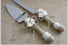 Rustic Wedding Set Guest Book Cake Cutter Set by HappyWeddingArt Wedding Knife Set, Wedding Cake Server, Wedding Sets, Country Wedding Inspiration, Wedding Candy, Rustic Wedding, Cake Cutters, Cake Knife, Rustic Cake