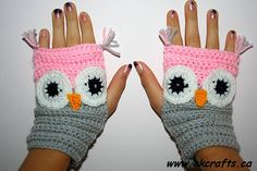Fingerless Owl Mittens FREE CROCHET pattern by Andrea Kefeder gerippt Fingerless Owl Mittens pattern by Andrea Kefeder Crochet Mitts, Crochet Wrist Warmers, Mode Crochet, Crochet Gloves, Knit Crochet, Hand Warmers, Crochet Granny, Crochet Owls, Crochet Food
