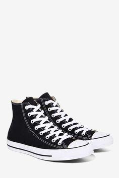 New sneakers white women chuck taylors 38 Ideas White High Top Sneakers, Black High Tops, New Sneakers, Canvas Sneakers, Converse Sneakers, Converse High, Black Evening Shoes, Black Canvas Shoes, Vintage Sneakers