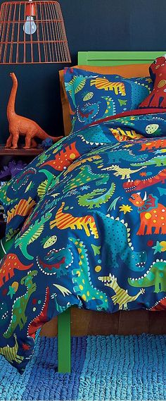 Discover girls and boys bedding sets in a wide range of color, pattern, and texture. Boys Dinosaur Bedroom, Dinosaur Bedding, Dinosaur Kids Room, Dinosaur Nursery, Big Boy Bedrooms, Boys Bedroom Decor, Bedroom Ideas, Ideas Habitaciones, Boy Room