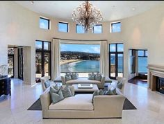 Case di lusso Mansions & High End immobiliari per . Design Living Room, Home Living Room, Living Area, Small Living, Luxury Living, Luxury Life, Coastal Living, My Dream Home, Dream Homes