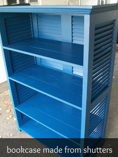 Crafty Corner - Shutters Repurposed into Bookshelf - Bookcase made from old shutters! Shutters Repurposed into Bookshelf Furniture Projects, Furniture Makeover, Home Projects, Furniture Design, Furniture Plans, Stain Furniture, Furniture Dolly, Furniture Styles, Do It Yourself Upcycling