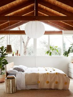 The home of Poppy Lane and Scott Gibson. Photo: Annette O'Brien, Styling: Lucy Feagins/The Design Files. Modern Bedroom Decor, Cozy Bedroom, Bedroom Ideas, Master Bedroom, Dream Bedroom, Bedroom Rustic, Bedroom Inspiration, Daily Inspiration, Kids Bedroom