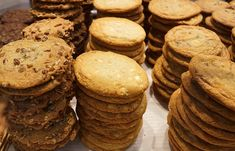 When you think survival food, MREs and rations come to mind. But there are food items that are also delicious. Check out our list of tasty survival foods. Dog Biscuit Recipes, Cookie Recipes, Best Survival Food, Survival Life, Low Calorie Chocolate, Canned Meat, Food 101, Food Items, Diy Food