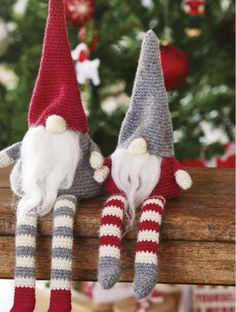 Simply Crochet Magazine Issue Christmas Gnomes pattern by Hannah Cross available to buy on Ravelry Knitted Christmas Decorations, Crochet Christmas Ornaments, Christmas Crochet Patterns, Holiday Crochet, Christmas Gnome, Christmas Knitting, Christmas Projects, Scandi Christmas, Christmas Balls