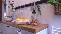 Rek voor wijnglazen en koksmessen (glazenhouder en messenhouder) | voordemakers.nl