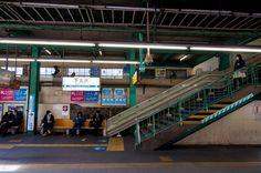 Jun Tendo 小田急電鉄下北沢駅ホーム上り線側_DSC3557