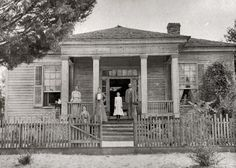 Unknown Greek Revival House, --somewhere in the deep South(Probably Alabama, Georgia, or Mississippi) -- Photograph taken in the Southern Mansions, Southern Plantations, Revival Architecture, Architecture Details, Southern Architecture, Classic Architecture, Beautiful Architecture, Colonial, Greek Revival Home