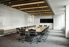 Modern Conference Room Design & Meeting Room Design Ideas - Home Decor Ideas Corporate Interiors, Office Interiors, Corporate Office Decor, Corporate Offices, Commercial Design, Commercial Interiors, Workspaces Design, Conference Room Design, Vintage Home Offices