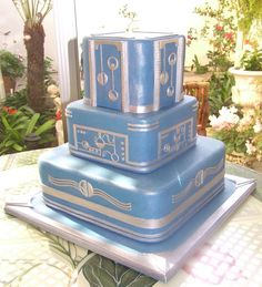Blue Art Deco Cake