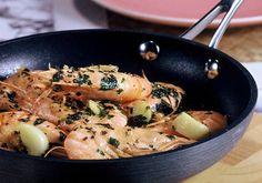 Γαρίδες στο τηγάνι με λεμόνι και μαϊντανό - Γρήγορες Συνταγές | γαστρονόμος online Everyday Food, Seafood, Fish, Chicken, Kitchen, Recipes, Drink, Sea Food, Cooking