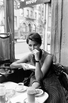 Sophia Loren by Peter Stackpole (New York City, June 23, 1958)