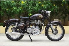 My Royal Enfield vintage Bullet - South India Royal Enfield Classic 350cc, Old Bullet, Royal Enfield Wallpapers, Royal Enfield India, Bullet Bike Royal Enfield, Royal Enfield Modified, Cruiser Bikes, Enfield Motorcycle, Old Motorcycles