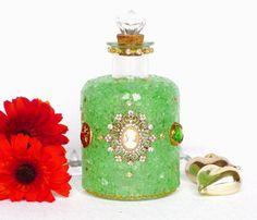 Parfum Flakon grün gold mit Strass Broschen Vintage von LonasART