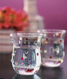 Decorar copos de vidro com miçangas!