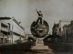 FELIZ NATAL MANAUS!!!! DECORAÇÃO NATALINA. Avenida Eduardo Ribeiro. 1974. Manaus. Acervo: Moacir Andrade.