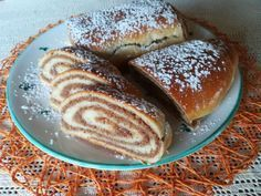 Nusspotize aus Topfenteig The nut sweetener made from potted dough is a delicious alternative to the original, where the traditional pastry is baked with yeast dough. Best Pancake Recipe, Paleo Meal Plan, Paleo Diet, Pots, Sweet Pastries, Gluten Free Cakes, Healthy Eating Tips, Healthy Food, Food Cakes