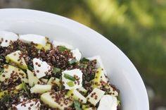 La quinoa o quinua es un superalimento que no puede faltar en la lista de la compra, no solo por su delicioso sabor sino por sus múltiples beneficios para la salud...