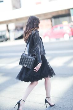 leather and tulle, street style, black tulle skirt, midi skirt, modest fashion, Space 46