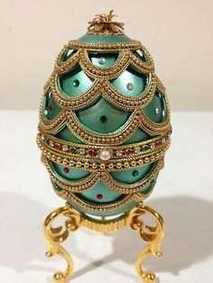 Faberge...stunning! All of those pearls and gems! ♥༺✩༻♥Faberge...stunning! All of those pearls and gems! ♥༺✩༻♥