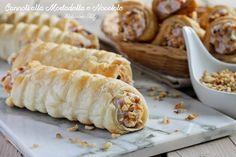 Cannoli+salati+alla+Mortadella+e+Nocciole