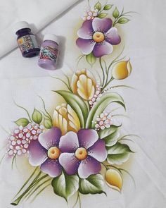 Watercolor Flowers Tutorial, Flower Tutorial, Dress Painting, Fabric Painting, Fabric Paint Designs, Color Magic, Pictures To Paint, Flower Art, Drawings