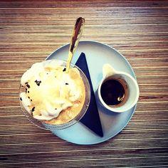 Gelato Goodness-Deconstructed Affogato-Espresso & ice cream #Grindsmith #Grindsmithcoffee #GrindsmithMediaCity #MediaCity #MediacityUK #Specialitycoffee #coffee #icedcoffee #like #like4like #foodporn #food #barista #baristalifestyle #baristadaily