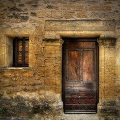 Porte de caractere IV - Ansouis   Ansouis. Portes du Luberon  Author: Salva Barbera