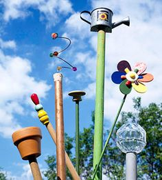 Recycle garden stakes into decorative art! More ideas for quick garden projects: http://www.midwestliving.com/garden/design/15-minute-garden-projects/