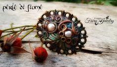 Anello cammeo bronzo pasta polimerica perle fiume fatto a mano libera fimo , by…