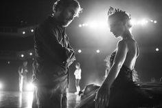 Darren Aronofsky and Natalie Portman during the filming of Black Swan