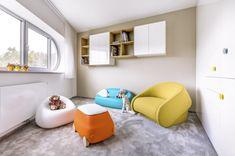 Do jednoho z dětských pokojů majitelé umístili žluté rozkládací křeslo Up-Lift, za jehož jednoduchý rozkládací mechanismus a estetické pojetí v jednom designéři značky Prostoria obdrželi světové ocenění Red Dot Design Award