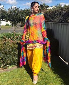 Summer Shalwar Kameez Designs For Women 2019 Phulkari Suit, Patiala Salwar Suits, Indian Salwar Kameez, Churidar, Anarkali, Lehenga, Salwar Designs, Patiala Suit Designs, Pakistani Couture