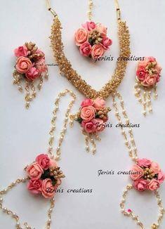 Flower Jewellery For Mehndi, Flower Jewelry, Wedding Jewelry, Bengali Bridal Makeup, Bengali Wedding, Paper Flower Arrangements, Flower Decorations, Trendy Jewelry, Handmade Jewelry