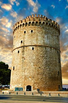 The Ottoman White Tower of Thessaloniki symbol of Thessaloniki, Greece Macedonia Greece, Greek Beauty, Greek Islands, Greece Travel, Crete, Pictures Images, Places To Visit, Around The Worlds, October 2014
