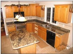 Kitchen Backsplash With Golden Thunder Golden Ray