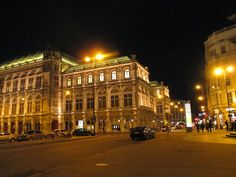 Strangeness and Charms: TRAVELLING LOVE: 'cafes and walkways and sculptured weekends' - vienna / wien