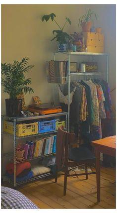 Room Design Bedroom, Room Ideas Bedroom, Bedroom Decor, Bedroom Inspo, Chambre Indie, Indie Room Decor, Indie Bedroom, Retro Room, Vintage Room