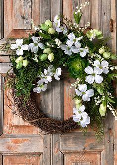 Easter wreath, spring wreath, wreath for front door, easter decor, spring decor, housewarming gift, mothers day wreath, valentines wreath, valentines day wreath, gift for her, wedding wreath, dogwood wreath, farmhouse wreath, all season wreath, large wreath, tulip wreath