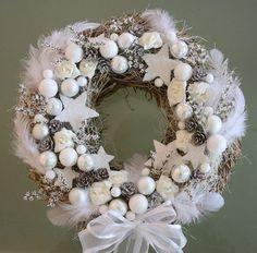 Vánoční věneček bílý - na přání Christmas Wreaths, Holiday Decor, Home Decor, Decoration Home, Room Decor, Home Interior Design, Home Decoration, Interior Design