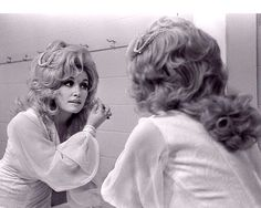 nippledipper:  Dolly Parton circa 1976. So beautiful, like her. :)