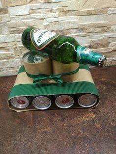 Tank z piva, uvnitř schované arašídy 😊 Man Gifts, Beer Gifts, Diy Tank, Christmas Decorations, Humor, Halloween, Ideas, Gift Ideas, Gifts