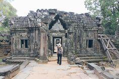 La visite d'Angkor a été pour moi un vrai rêve éveillé. Voir des photos du Bayon me laisse encore toute chose et je ne réalise toujours pas y avoir été (pour Antoine, c'est un peu différent puisque c'était sa deuxième visite d'Angkor).Dieu que c'est beau. L'Homme a fait bien des conneries mais il a aussi […]